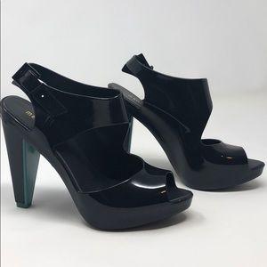"""Melissa 4.5"""" peep toe heel sandal US 6"""